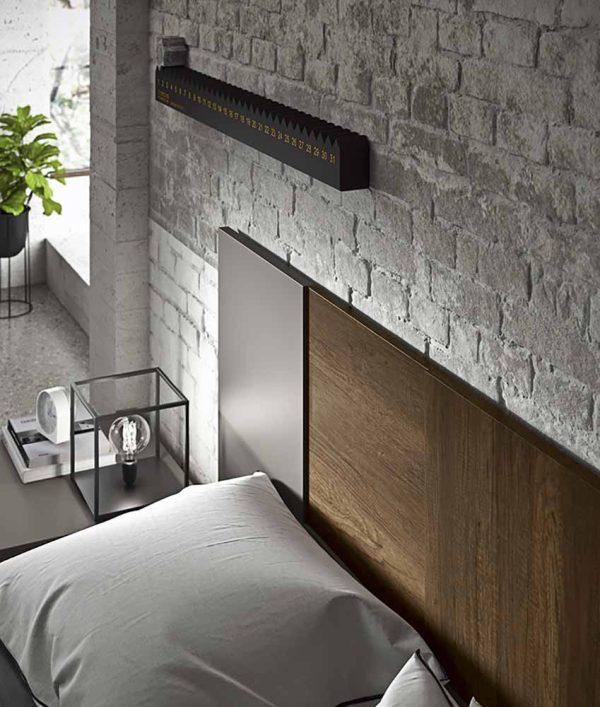 cinquepuntozero spazio notte dettaglio testata letto in legno militare